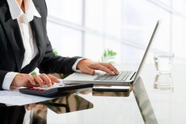 【事務職】採用のプロが教える、書類選考を突破する職務経歴書の書き方とポイント
